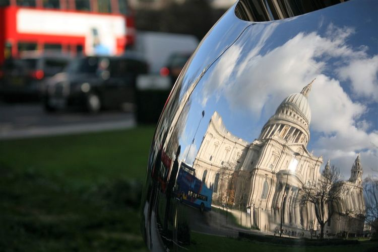 St paul cathedral reflecting on traffic mirror