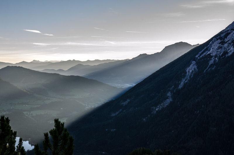 Beauty In Nature Cloud - Sky Cloud Porn Fog Landscape Lush - Description Motion Mountain Mountain Peak Mountain Range Mountain View Nature No People Outdoors Scenics Sky Sunrise Tranquil Scene Tranquility Tree