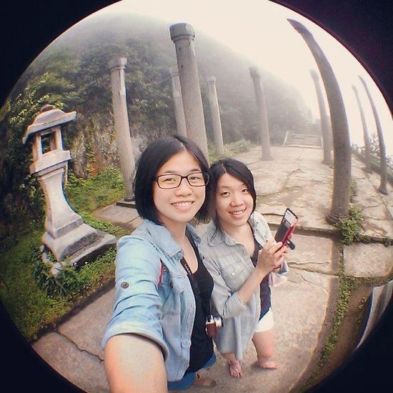 Hey,人間仙境霧包圍我我包圍霧Taiwan Jinguashi Shrine HOG surroundedmeandfriendhowbeautifulmountainseainstadaily