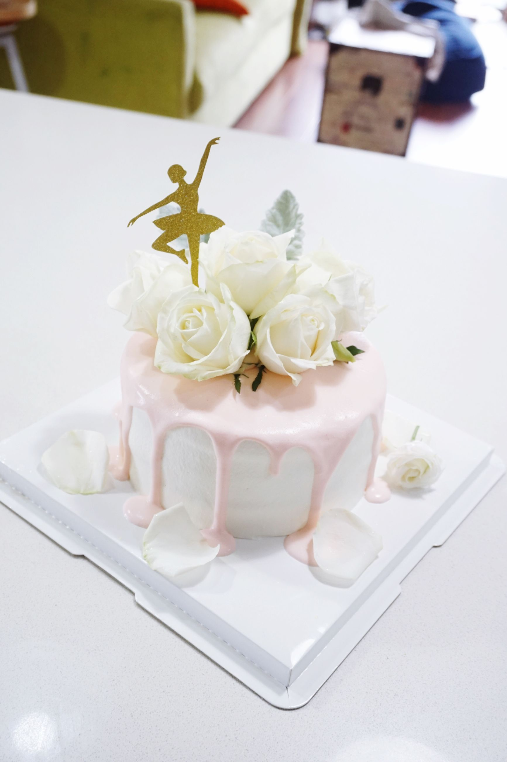 wedding, food and drink, celebration, life events, table, wedding cake, cake, food, indoors, no people, indulgence, freshness, close-up, plate, flower, sweet food, ribbon - sewing item, day, ready-to-eat, flower head