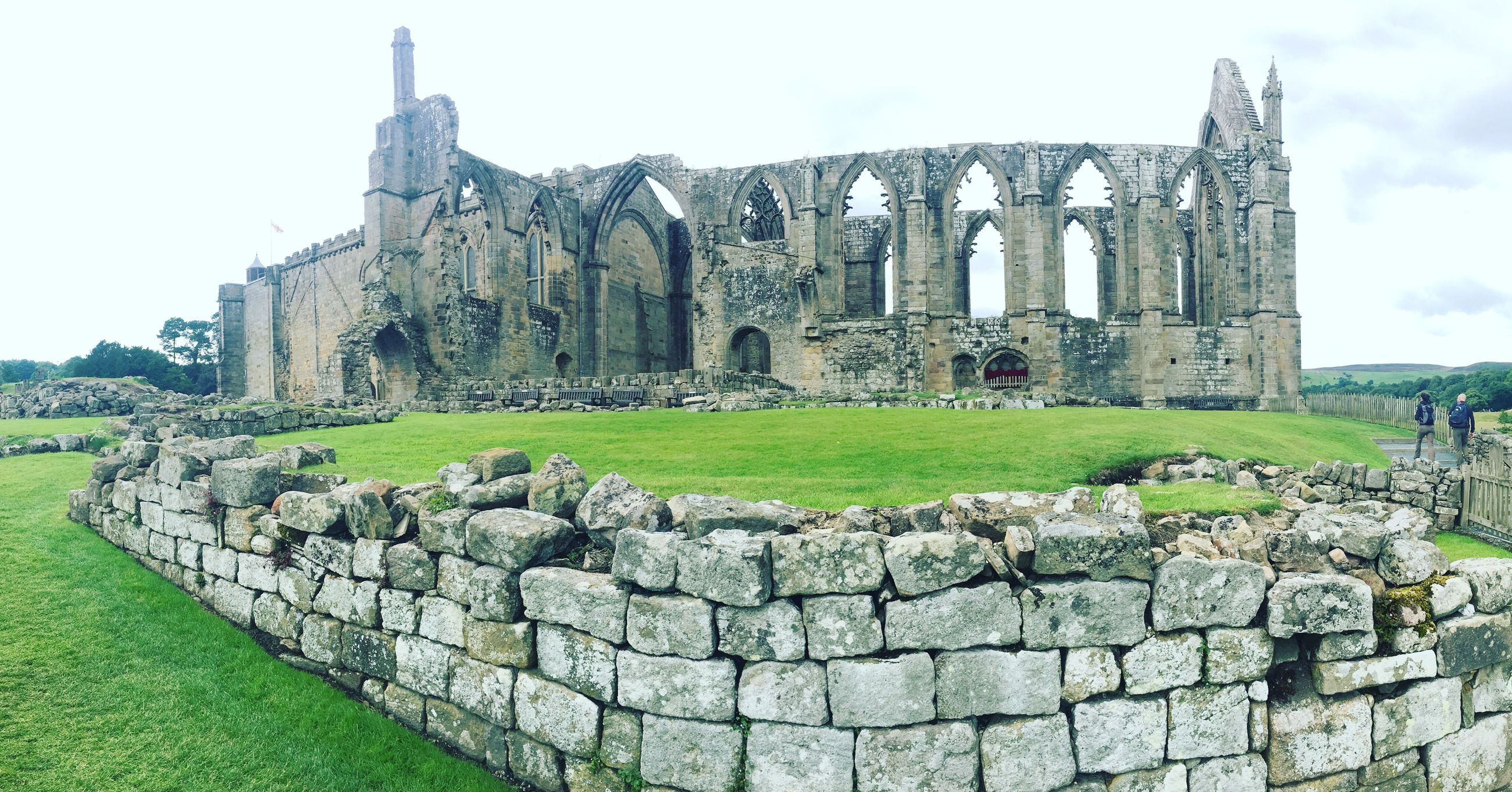 history, old ruin, built structure, architecture, ancient, the past, ancient civilization, grass, building exterior, day, tourism, damaged, travel destinations, outdoors, castle, sky, green color, place of worship, no people, canon
