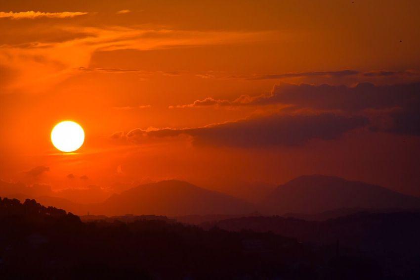 Hot! Silhouette Sunset Sunshine Sun Landscape Sky Colors Colorful Sunset Silhouettes Landscape_photography Landscape_Collection Sunset_collection
