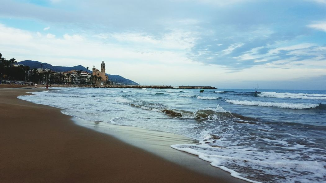 Sitges Barcelona España Meer Wellen Abendstimmung