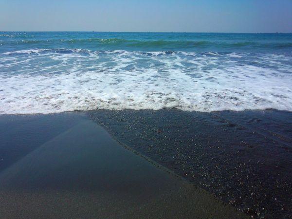 鵠沼海岸……寄せては引いて……again and again. キラキラ Sea View