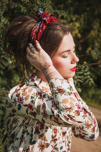 EyeEm Selects Fashion Beauty People One Person Tree Women Girls Outdoors Lifestyles Beautiful People Forest Beautiful Woman Day Young Women Portrait Smiling Nature Beautiful People Models No Filter Brown Hair Females Grass Real People EyeEm Ready   Fashion Stories