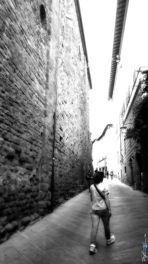 Showcase July On The Way Capture The Moment Old Town Black And White City Arezzo Italy🇮🇹 Arezzox Z3 Xperia Black & White