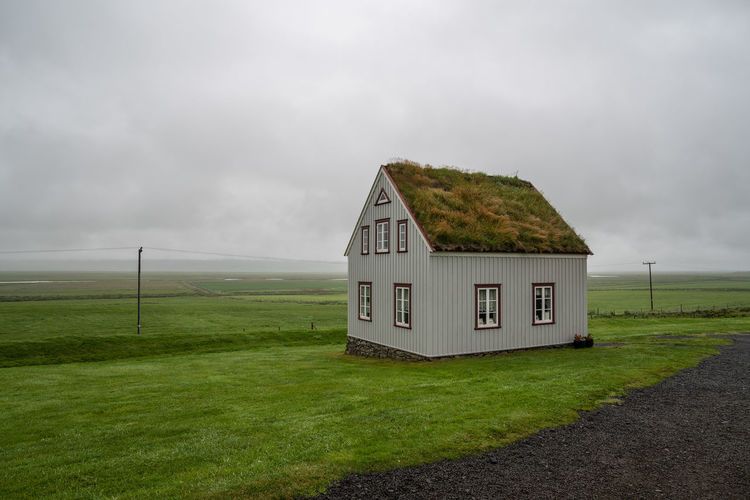 Island Islandlife Island Life Island 2018 Iceland Iceland Nature Iceland Trip Iceland Travel Island Insel Aus Feuer Und Eis Iceland Fire And Ice Iceland 2018 Old House Old Architecture Old Artifact Old Art Fog Sky Foggy Morning Foggy Day Foggy Sky Green Field Lava Field Iceland Rainy Days Rain Lightly Bright Sky Cloud - Sky Architecture Nature No People Grass Land Built Structure Environment Landscape Field Day Building Exterior Plant Beauty In Nature Building Outdoors Green Color House Scenics - Nature Cottage