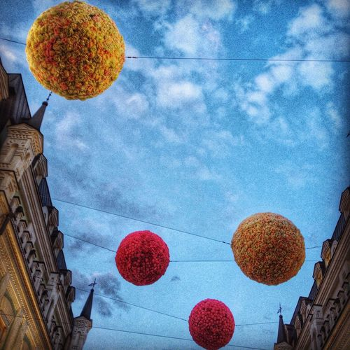Sky spheres Sky Blue Sky Decorations Spheres Sphere Decorated Street Decoration With Flowers