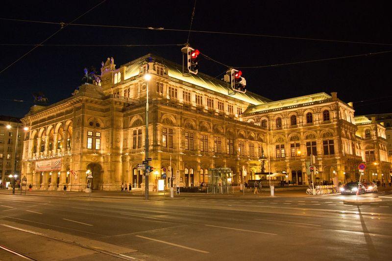 ウィーン オーストリア オペラ座 夜景