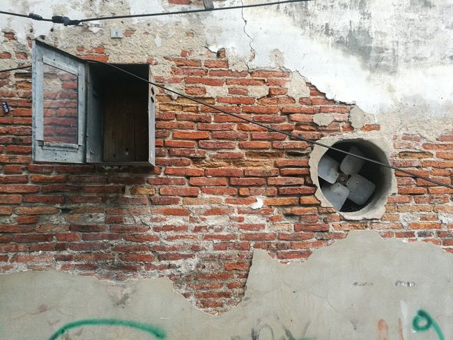 Architecture Built Structure Abandoned No People Day Building Exterior Brick Scrath