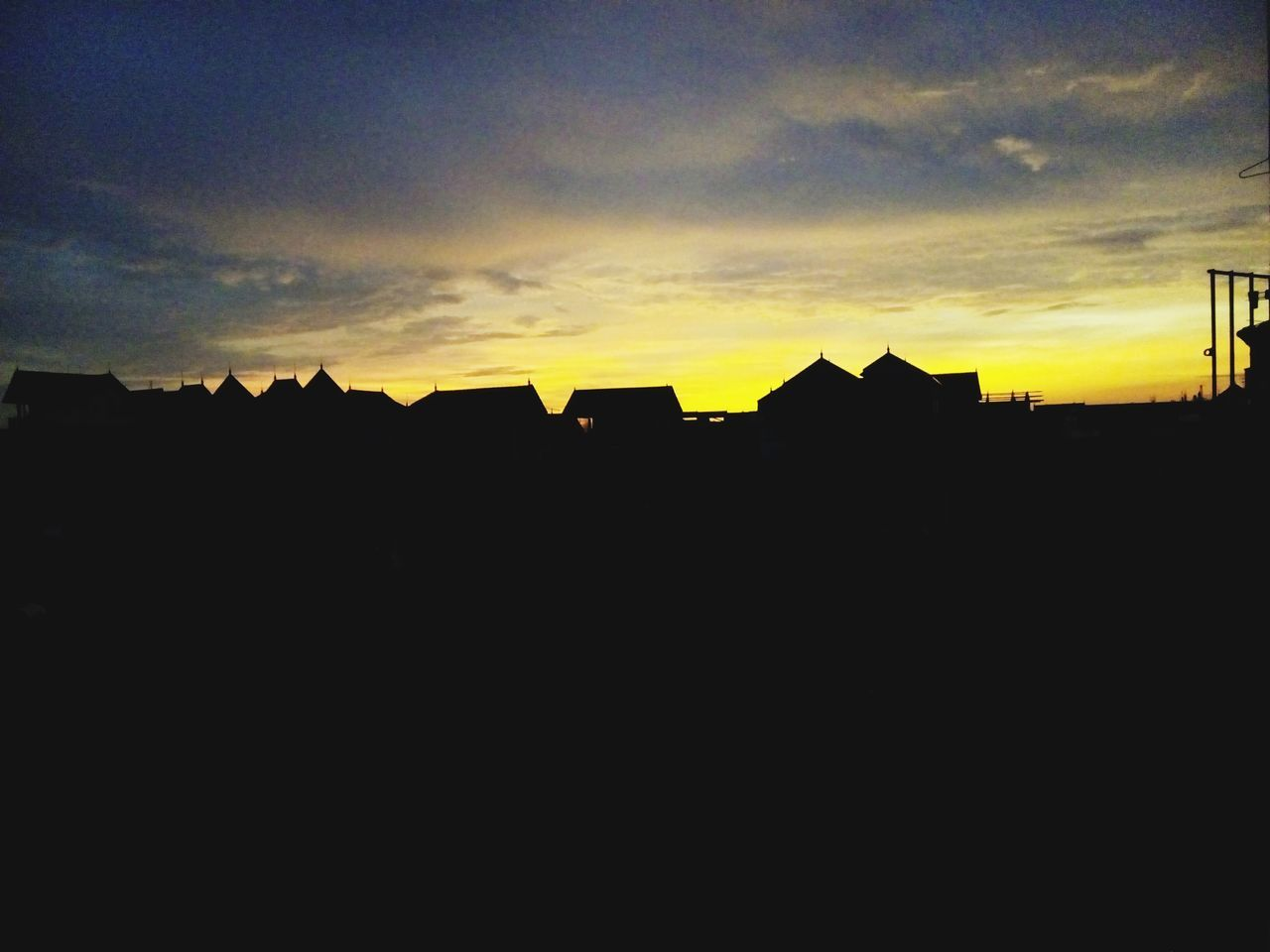 silhouette, sky, sunset, built structure, architecture, building exterior, house, no people, cloud - sky, outdoors, nature, beauty in nature, day