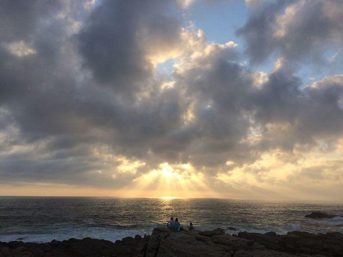 First Sunset Of 2017 Sunset Rocks Ocean Waves First 2017