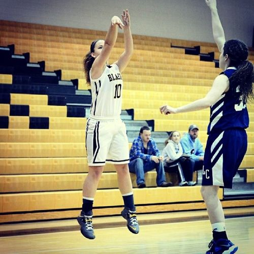 Got another great win tonight! :) 3inarow Lmhgb Basketball