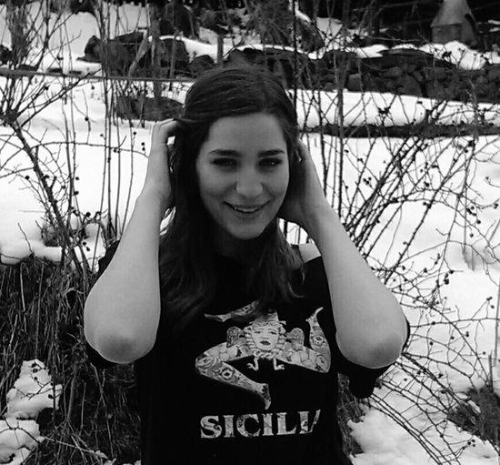 Girl Model Beauty Sizilia Picoftheday Blackandwhite Snow Smile