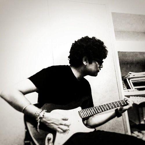 B7! Highcontrast Bw Guitar Muchlove Mytunes