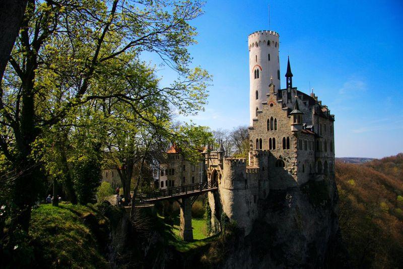 Schloss Lichtenstein Schwäbische Alb Springtime Check This Out Lichtenstein Castle