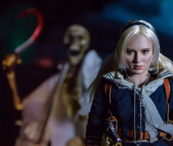 """Prepare to Die, again.."" Toyphotography Babydoll  Sucker Punch Hottoys Sideshowcollectibles Emilybrowning Movies ZackSnyder"