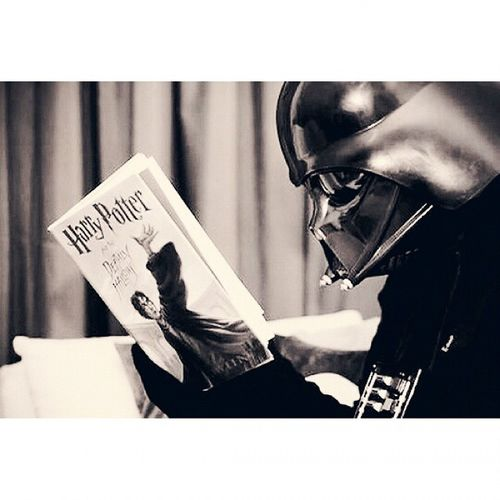 So I've finished Harrypotter and the Sorcerer's Stone. Great and easy to read! ^^ Starwarstuesday Darthvader Darkside reading books