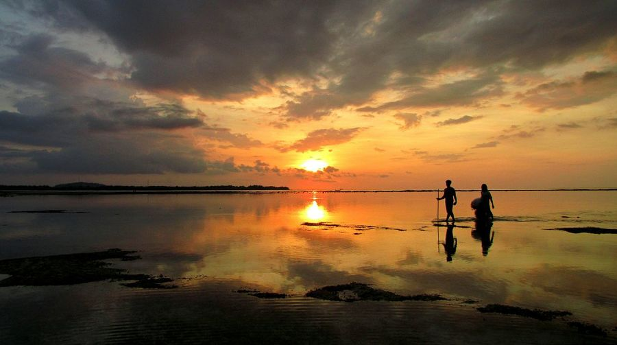 Gili Air Bali Bali Natura Bali, Indonesia Balispirit Beauty In Nature Cloud - Sky Islandlife Jeanmart Joseph Jeanmart Natura Orange Color Pure Real Real Life Reflection Scenics Silhouette Sky Sun Sunset Tourism Tourisme Tranquil Scene Thegreatoutdoors-2016eyeemawards Water