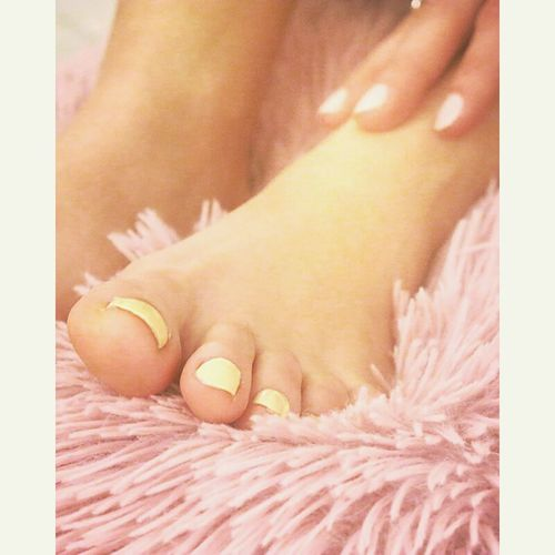 Foot Pink Color Yellow Nails Yellow Color Pink Nails Nail Polish Pillow Nail Pillow Pastel Power Sweet Colors Sweet Pillow Sweet Dreams Eyeemphotography EyeEm Best Shots EyeEm Best Edits EyeEm Gallery