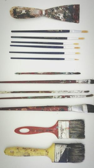 No People Fork Indoors  Close-up Day Pencils Art Studio Melody Nelson Indoors  Art Streetphotography Art Studio Pencil And Pen Studio Art ArtWork Oil Painting Paiting Red Oil Paint Art Color Acrylic Paint Pencil Studio Pencil On White Tabel Used Pencil Pincel Usado