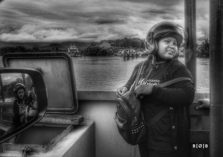 stranger i met on a 'ferry'tale.. Sabahroadtrip Huaweiphotography HuaweiP9Photography HuaweiP9 People Scenics Outdoors EyeEm Streetphotography Travel Destinations Day Ferry Crossing Total Strangers Rural Moods Rural Scenes