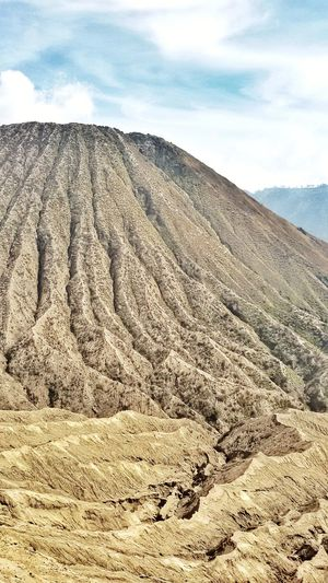 Have a closer look of Mount Bromo, Indonesia (2017) Nature Outdoors Sand Mountain Beautiful Place Bromo Travelingindonesia Indonesia Scenery Visitindonesia Visitmalang Exploremalang Explorejatim Exploreindonesia Eastjava Eastjavatourism INDONESIA