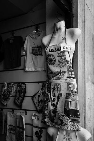 Artesanato Blac&white  Black & White Black And White Black&white Blackandwhite Blackandwhite Photography Blackandwhitephotography Blancoynegro City Lisboa Lisboa Portugal Lisbon Lisbonlovers Noedit Nofilter Nofilter#noedit Nofilterneeded Nofilternoedit Nofilters Urban Urban Geometry Urban Lifestyle Urbanphotography