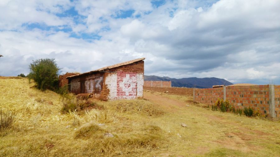 House in the countryside in Peru EyeEm Selects Abandoned Built Structure Cloud - Sky Sky Architecture Building Exterior Outdoors Grass No People Day House Peru Landscape Nature First Eyeem Photo