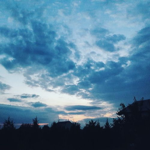 Vscocam Vscocamua Eveningsky Evening Sky Clouds Garden Ukrainian Sky Blue Sky Sunset Fresh On Eyeem  When The Sun Goes Down Evening Light Evening View Evening Air My Yard  Yard My House Landscape Neiborhood