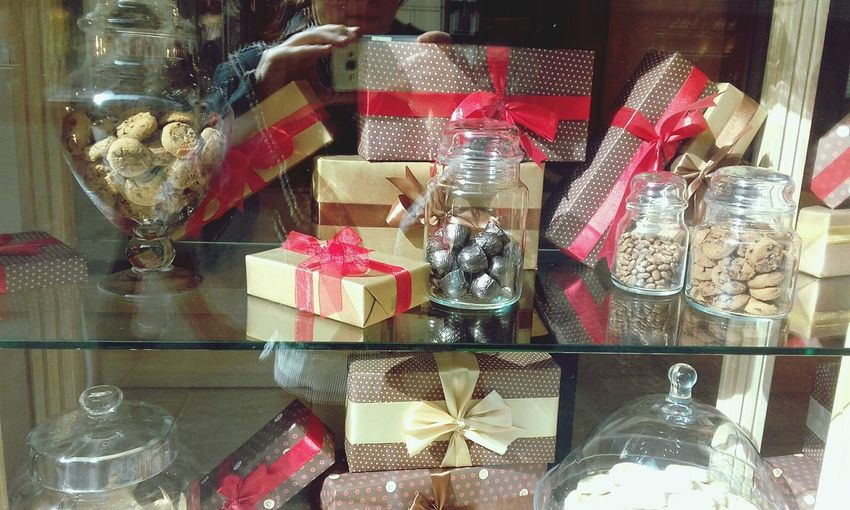 Variation Large Group Of Objects Abundance Choice Indoors  Retail  No People Gift Day Cardboard Box Close-up chocolate shop Sweet Gifts ❤ Presents Boxes Chocolate♡ Soko Stark Chocolate Sjop