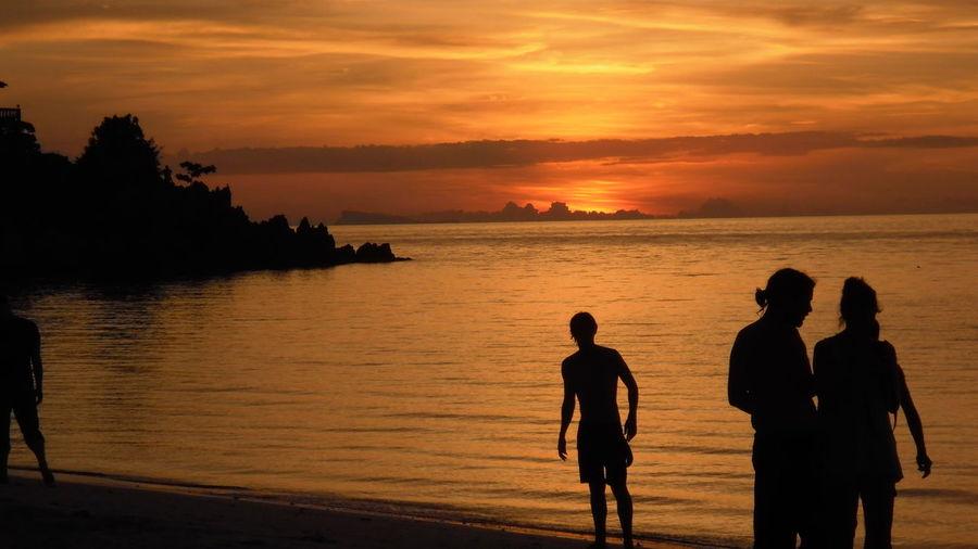 EyeEm Sunset Thailand Koh Phangan Sunset Vacations Beautiful Tranquil Scene Sunset Silhouettes Sunset_collection Scenics Orange Color Tourism Thailandtravel Silhouette Silhouettes Silouette & Sky