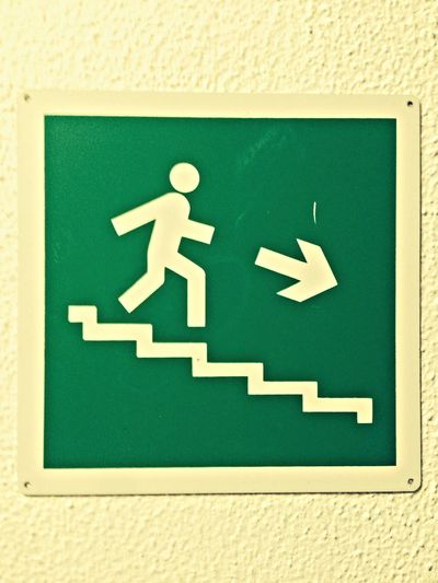 Checking In Enjoying Life Stairs 非常口のマーク。なんか可愛い♡Mark of emergency exit.Tiny♡