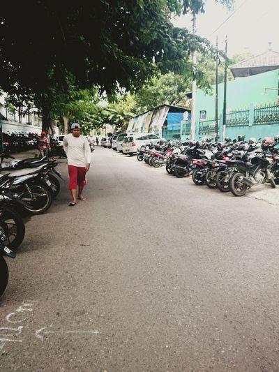 Behind office bulding, HSBC Building, Semarang Street Photography