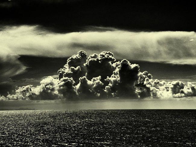 Tras la tormenta, llegará la calma. After the storm, the calm will came. Canal de Menorca. Coolpix p7100, Android edit. Blackandwhite Monochrome Menorca Mediterranean  Landscape Nature Clouds And Sky