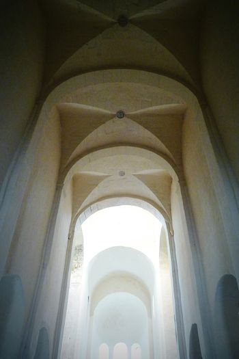 Architecture Architectural Feature Arched Architectural Column Architectural Design Religious Architecture Religious Buildings Church Church Architecture Châtillonsurseine Arcade Simplicity Abstractarchitecture Light And Shadow TakeoverContrast
