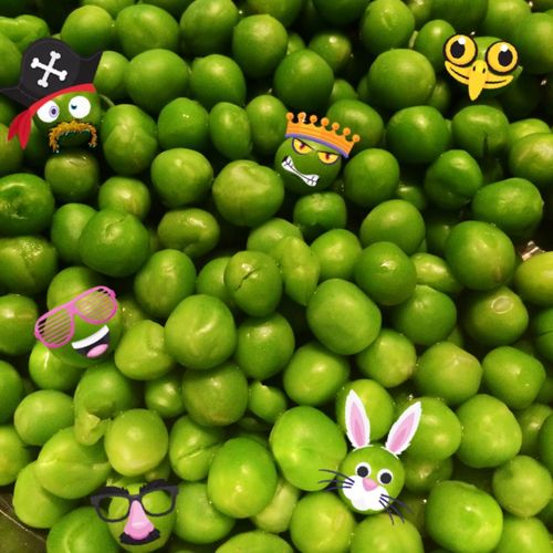 Hap-pea Wednesday! 🙈🙈 Food Green Peas Funny Pics Hello World Cheese! Circles Round Food Funny Food Messing Around
