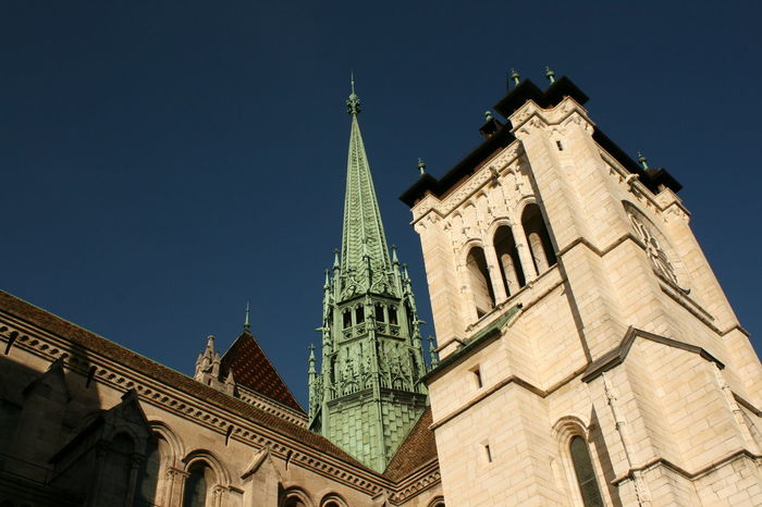 Reformation Historic Church Church Tower Eglise Protestant Reformation Historical Building Historical Monuments Monument Calvin EyeEmNewHere Geneva Cathedrale Saint Pierre Eglise City History Clock Tower Cathedral Tower Façade Place Of Interest Bell Tower