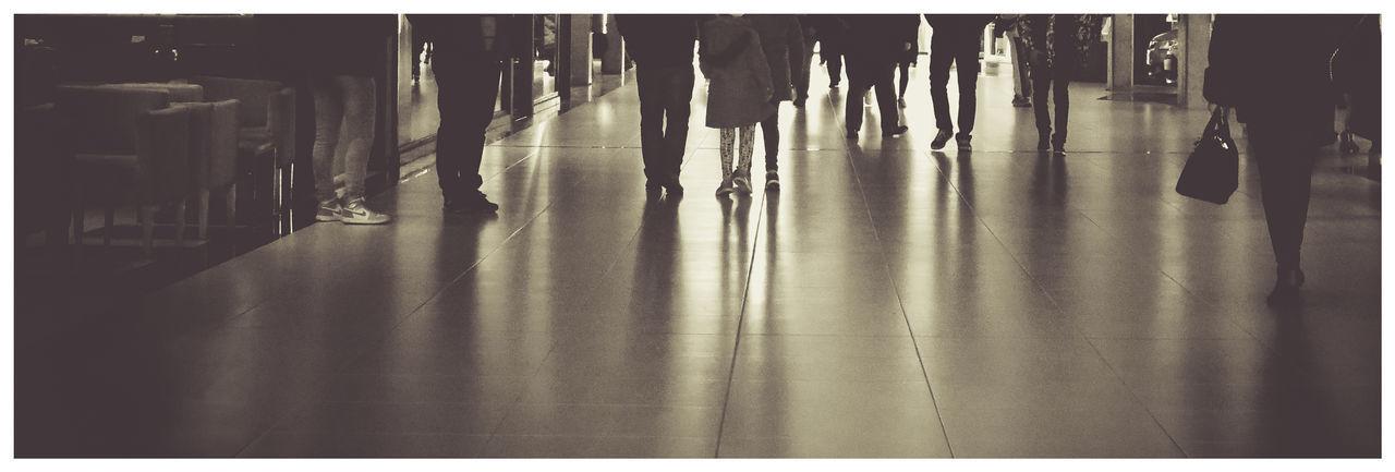 Paseo Blanco Y Negro Caminantes Day Panoramic Reflejos Interiores