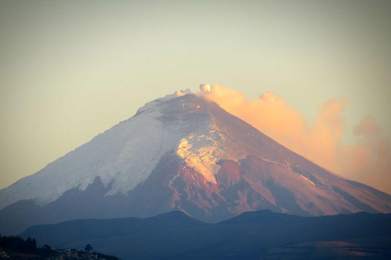 Volcan Cotopaxi Volcano Activo Ecuador Quito Lanscape Photography