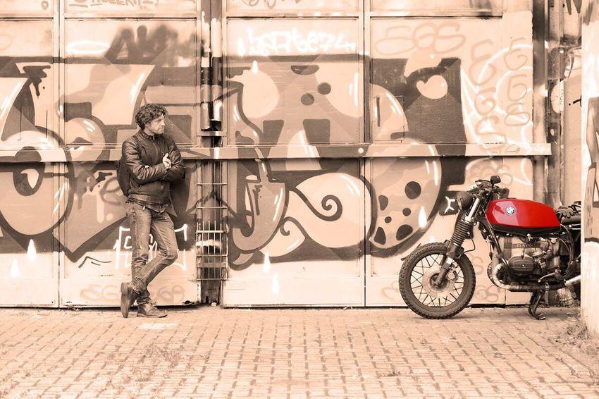 Feel The Journey Retrostyle Photooftheday Leisure Activity Retro Bike Bikes Motorcycles Motorcycle Graffiti Graffiti Art Travel Travel Photography Break Motorrad Ratwatch