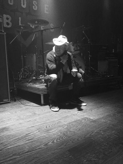 Cowboy Rock And Roll Dave Waiting Stage Musician Music Cowboy Hat Tribute Band Stoned Temple Pilots