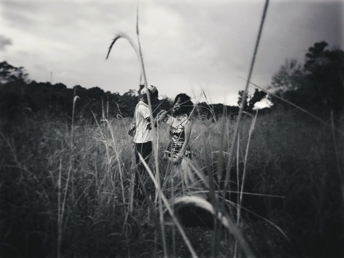 MakingUP Outdoors Rural Scene Grass Nature One Woman Only Timothy Grass Week Of Eyeem Week On Eyeem EyeEm Gallery Eyeemphoto Eyeemphotography SONYXPERIAX EyeemPhilippines Xperia X EyeEm Best Edits EyeEmBestPics Xperiax Shoot Session Makeup Model Photographers Passion Fashion Girl