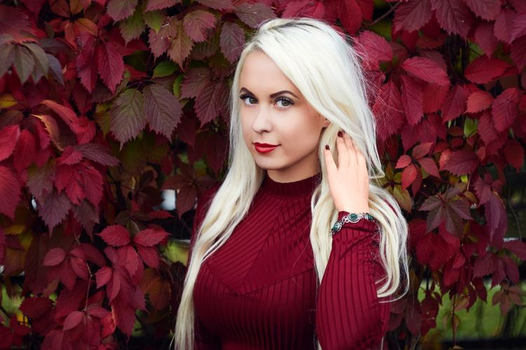 Helios is perfect for portraits! Long Hair Young Women Leaf Lifestyles Red Young Adult Beauty Front View Blond Hair Looking At Camera Nature Outdoors Confidence  Autumn Estonia Portrait Vintagelens Helios