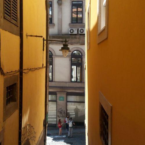 Paint The Town Yellow Daylight Citybreak Urbanlandscape Memorieslikethat Summervibes Lemoncity