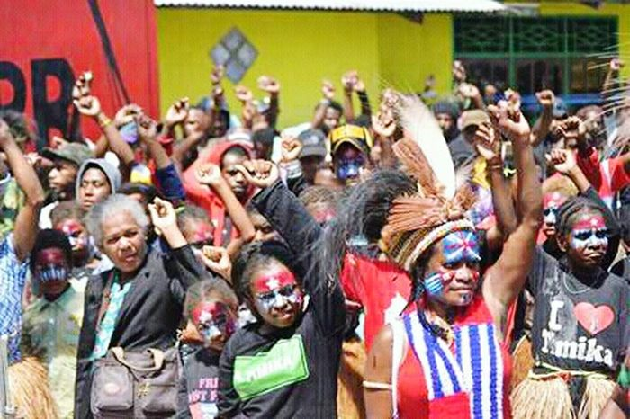 Large Group Of People Countrylife Social Issues West Papua People Uniform Of West Papua Tradition Papua Free Of Indonesia Colonial West Papua Want To Free Of Indonesia Colonial. Patriotism West Papua Politic Of Freedom West Papua Women