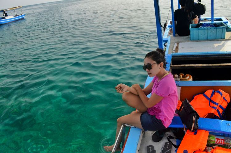 Picturing Individuality Showcase: November Enjoying Life Relaxing Taking Photos Hello World Beautiful Nature Nature Photography Capturing Freedom Just Shoot Enjoying Life Holiday Holiday POV On A Boat Asian Girl Girl Sound Of Life EyeEm Indonesia INDONESIA My Best Photo 2015