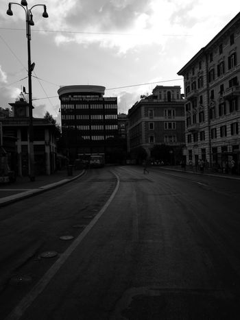 Cloud - Sky Street Architecture City Outdoors Road Day No People Blanco Y Negro. Blackandwhitephotography