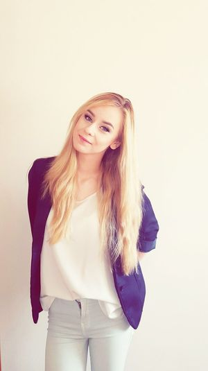 Today's Hot Look That's Me Beautiful Hair Blondgirl Beaing Pretty ... Beautiful Girl Model Blond Hair Outfit Popular Photo