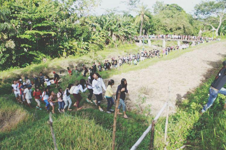 Large Group Of People Lintas Alam Lombok